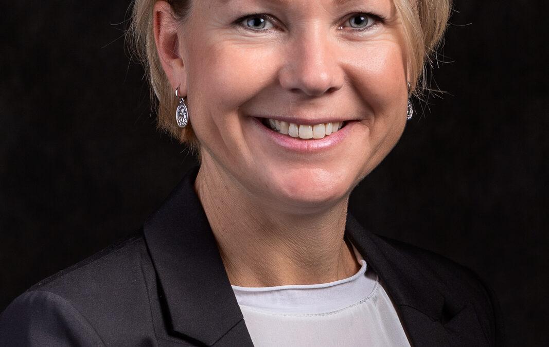 Portret Helma Veenstra van Review Partners